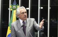 Governo suspende eventos, proíbe torcidas em jogos e muda rotina dos servidores após confirmar casos de coronavírus em Goiás