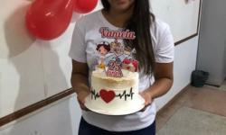 A Unopar  parabeniza a tutora  Vaniela Ferreira Lima pelo seu aniversário.