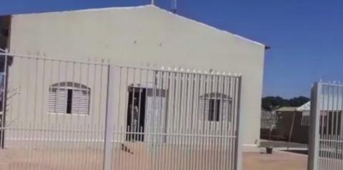 Criminosos invadem igreja, amarram padre e roubam dízimo e carro, em Planaltina