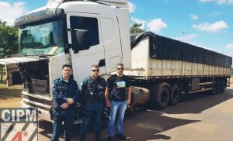 Policiais da CPA2/4CIPM e da Polícia Civil apreendem carreta utilizada em furto milionário de cargas