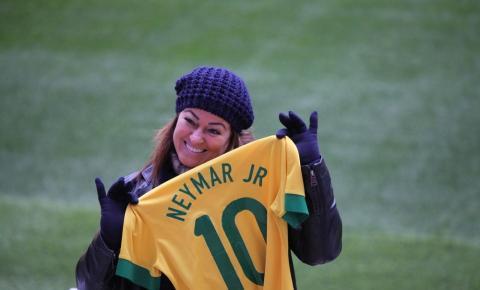 Neymar recebe apoio da mãe e da irmã nas redes sociais após acusação: ''Perdoe essa menina''