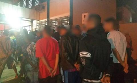 PM leva cerca de 60 menores para delegacia durante festa regada a bebidas e drogas em Águas  lindas de Goiás