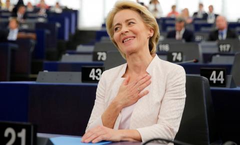 Parlamento da UE confirma Ursula von der Leyen como presidente da Comissão Europeia