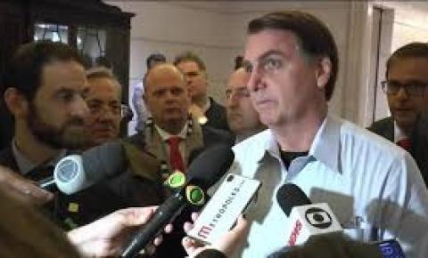 Governo estuda ações de estímulo ao emprego para quem tem até 29 anos de idade e acima de 55, diz Bolsonaro