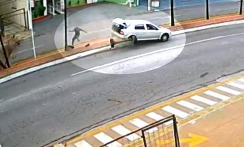 Homem é atropelado por carro desgovernado em ciclovia de Goiânia