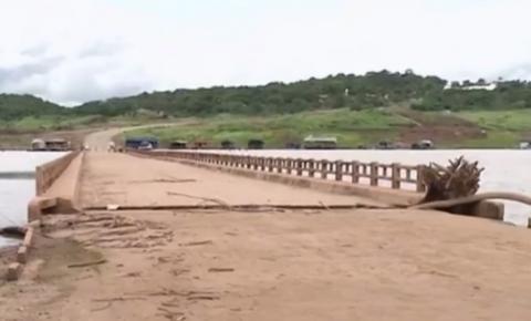 Lago Serra da Mesa atinge nível crítico e faz aparecer ponte que ficava submersa