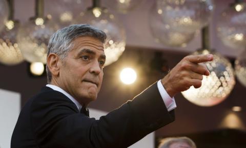 George Clooney e Brad Pitt se unem a protesto contra mudanças no Oscar 2019