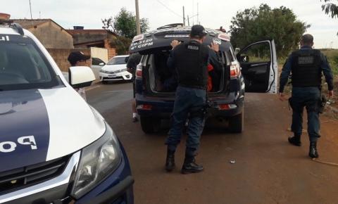 Os dois assaltantes do açougue em Chapadão do Sul eram maiores e usavam moto com placa falsa