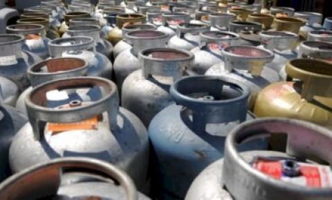 Gás tem nova alta e vai custar R$ 130 em algumas localidades