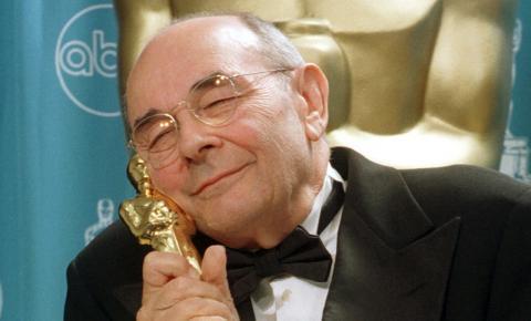 Stanley Donen, diretor de 'Cantando na Chuva', morre aos 94 anos nos Estados Unidos
